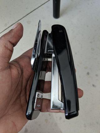 🚚 Max stapler - Good condition
