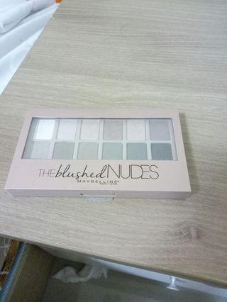 🚚 MAYBELLE 媚比琳 時尚伸展台訂製12色眼影盤 (Nude2 小禮服)