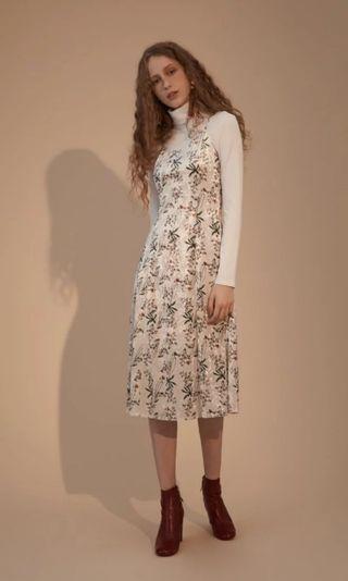 🚚 轉賣BoisWhite -碎花絨布顯瘦洋裝