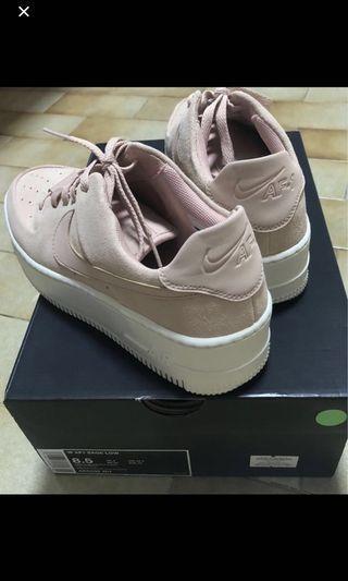 Selling or Trade Nike Air Force 1 Sage Low