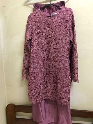 Siti Nurhaliza crochet lace kurung (XS)