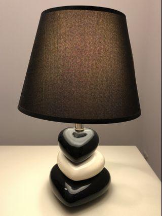 Bed side Table Lamp #EndgameYourExcess #mrtsengkang #mrthougang #mrtpunggol #mrtraffles