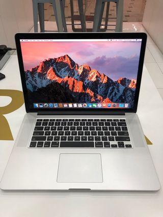 "Macbook Pro 15"" 2015 Model / i7 / 16 / 256"