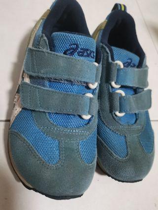 Oasic shoes