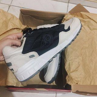 70aa1efb saucony shadow | Footwear | Carousell Philippines