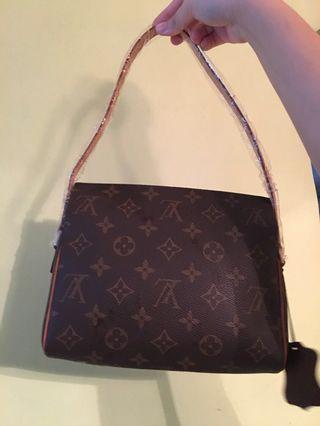 🚚 Inspired LV Bag