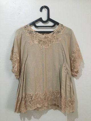 [TAILOR MADE] - BROWN EMBROIDERY TOP #mauthr