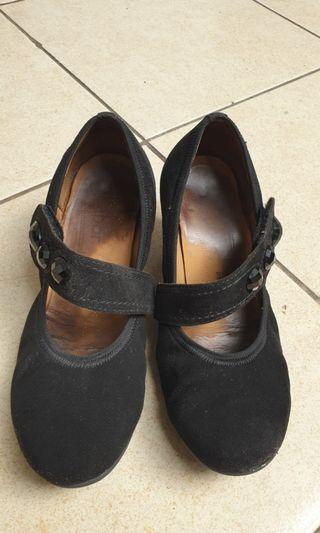 Gabor black shoes