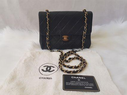 """Authentic Chanel vintage 8"""" single flap ghw black bag"""