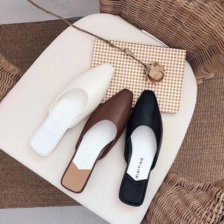 PO: Mules White/Black/Brown