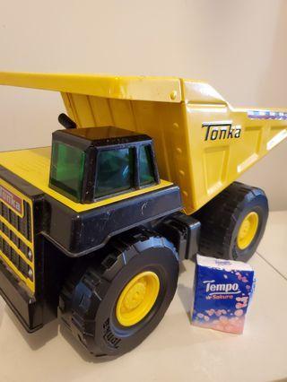 tonka toughest dump truck