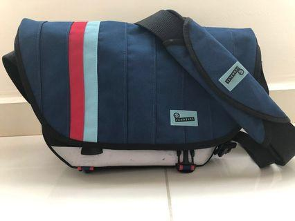 Crumpler Barney Rustle Blanket Messenger Bag