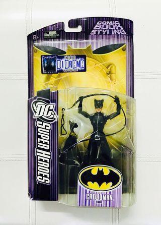 DC SUPER HEROES CATWOMAN S3 SELECT SCULPT