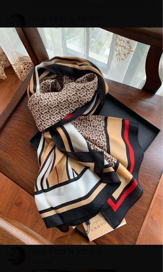 Burberry scarf 2019新款