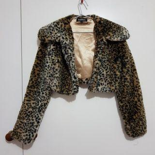 Leopard print faux fur cropped jacket