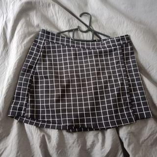 Checkered Grid Skorts