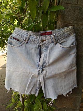 celana pendek (hotpants) denim ripped highwaist #mauthr