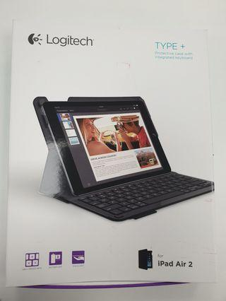 🚚 Logitech type + keyboard case for iPad air 2