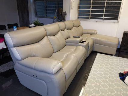 🚚 Beige Sofa