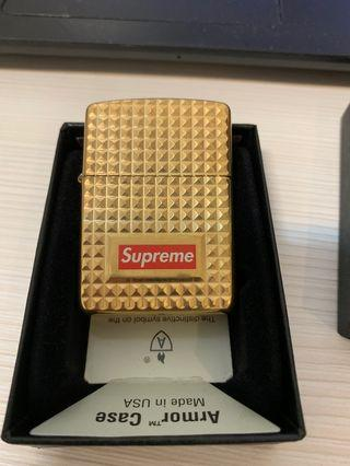 Supreme zippo 金色
