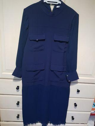 New unworn Thavia dress in navy