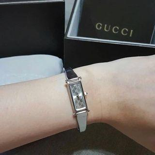 Gucci Watch with Diamond