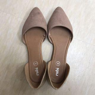 🚚 Rubi Flats nude and gold