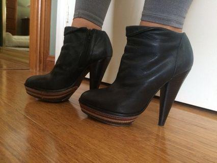 Leather Boots Black 7.5 Steve Madden