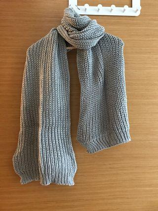 🚚 Knitted scarf (grey)