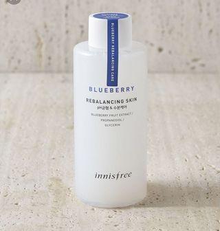 Innisfree pH 5.5 Blueberry rebalancing Toner