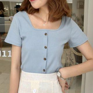 🚚 Buttoned Rib Top