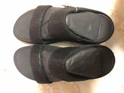 🚚 Fitflop Double Strap Sandals in Black