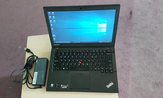 🚚 Slim light weight Lenovo x240/i5/8gb/500GB Adaptor @ 305