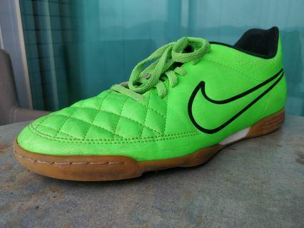Nike Tiempo Soccer Cleats - Indoor / Flat Surface