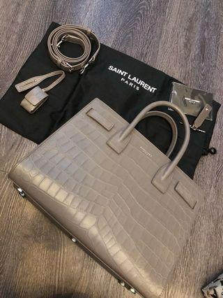 LNIB Sac de jour grey mock croc small