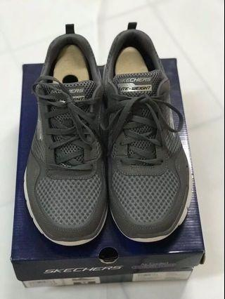 Running shoes SKECHERS