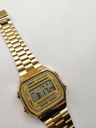 CASIO: Vintage Gold Watch A168WG