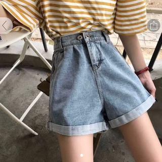 🚚 Light Blue Denim Shorts w Elastic Waistband