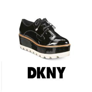 DKNY Uptown Oxford Shoes