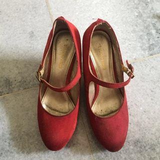 Wedges merah