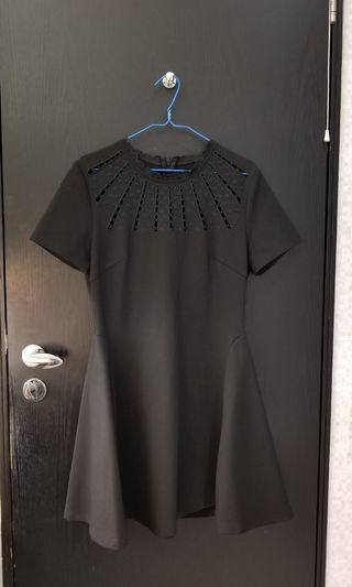 全新連身裙