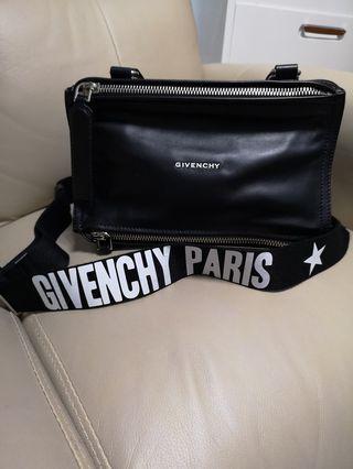 全新Givenchy Pandora 黑色直皮