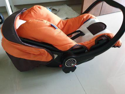 Halford s8 stroller AND car seat