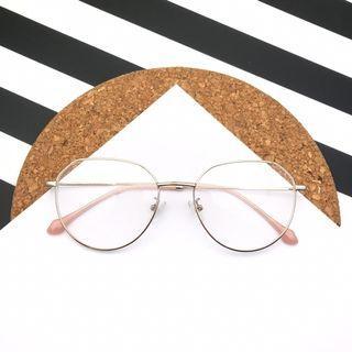 Kacamata Gaya Korea