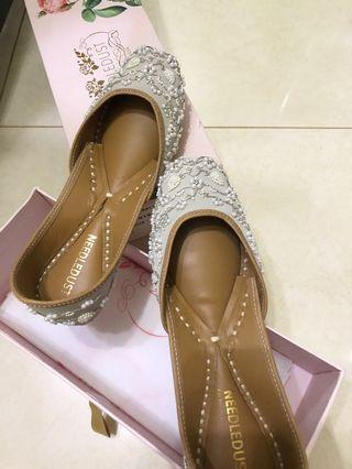Indian shoes juttis