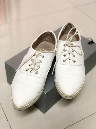 🚚 富發牌 清新小白鞋 皮鞋 25