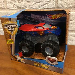 🚚 Hot Wheels Monster Jam Superman 1:43 Rev Tredz DC Comics