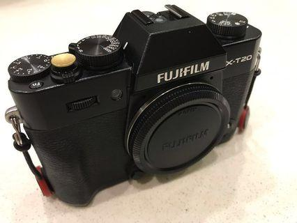 Fuji XT-20 + 35mm + 50 to 230 mm lens package