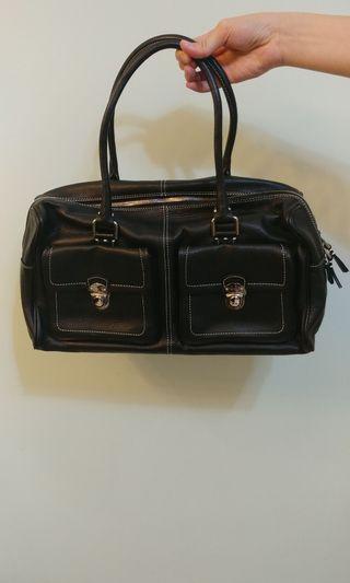 Aguis b Voyage 黑色手提袋