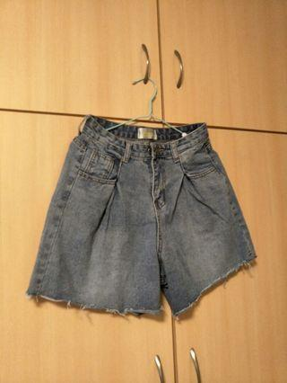 全新28腰牛仔短褲